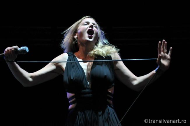 Fotografii concert Pink Martini, Sala Sporturilor, Mai 2012