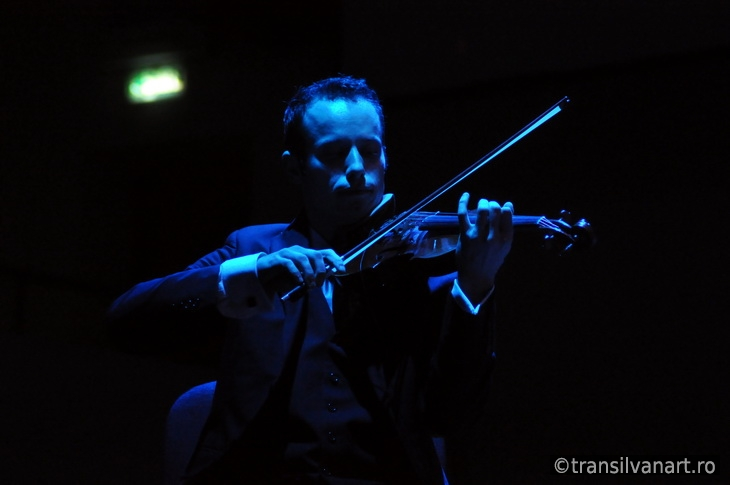 Violonist on the stage