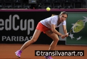 Tennis player Annika Beck training before a match